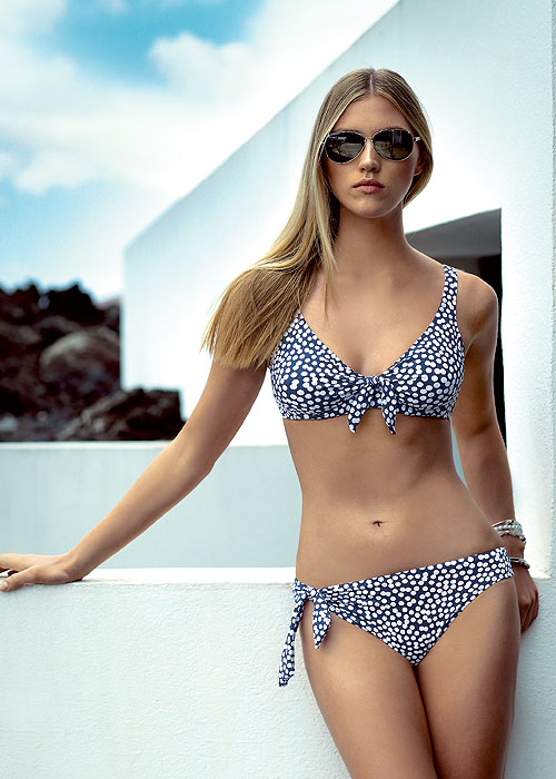 Tessy Dana Bikini
